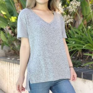 4/$25 - Abound marled vneck soft high low shirt S